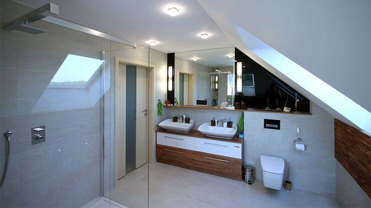 Nowoczesna łazienka na poddaszu w spokojnych kolorach
