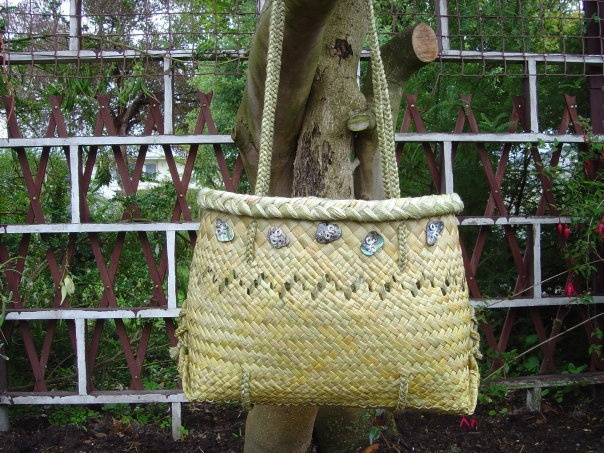 Kete in full fine weave with paua made by MandyandMaru Russell