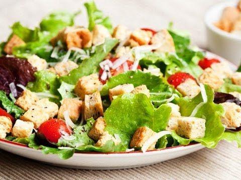 Aprende a hacer una deliciosa ensalada César en tan solo unos pasos. ¡Pruébala hoy mismo!
