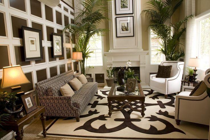Tolles Beispiel für ein Wohnzimmer mit einem hölzernen gemustert Akzent Wand. Dieser Ansatz wird ergänzt mit Malerei das helle Holz und die verschiedenen Wandfarbe in diesem Fall braun.