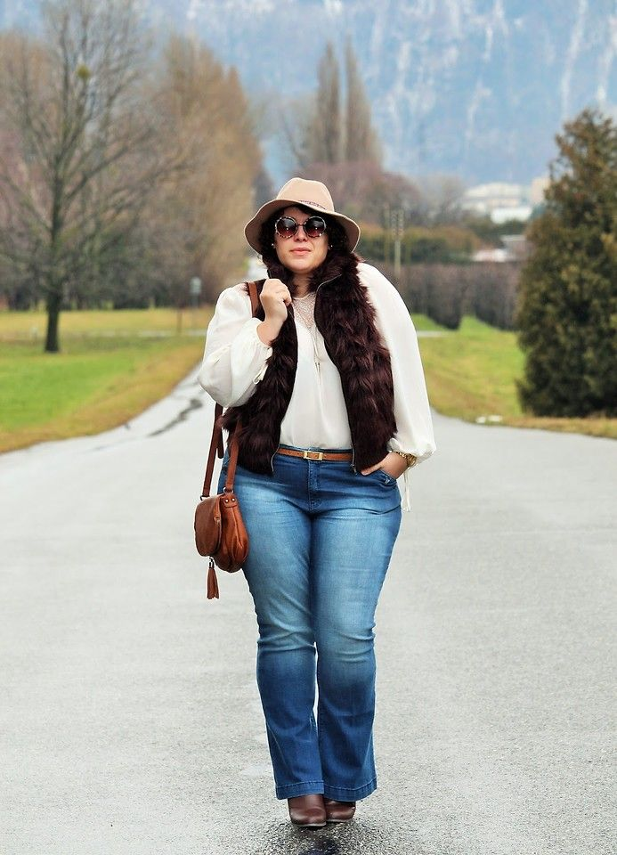 Ana Nogueira - Primark Fedora, C&A Faux Fur Vest, H&M Blouse, C&A Bootcut Jeans, Deichmann Bag, Primark Boots - Seventies | LOOKBOOK
