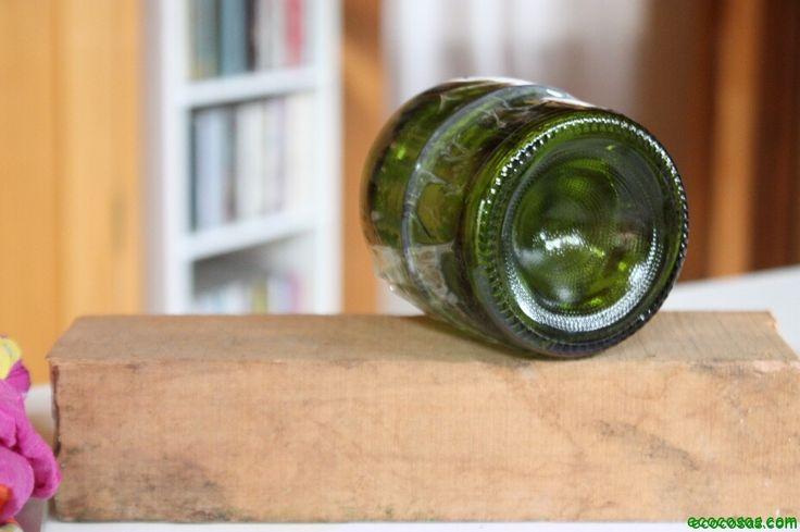 Cortar botellas puede ser algo muy útil, hay varias opciones para reutilizar botellas de vidrio
