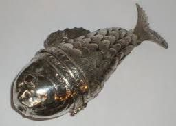 fish snuff box