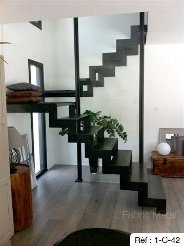 25 best ideas about escalier 2 quart tournant on. Black Bedroom Furniture Sets. Home Design Ideas