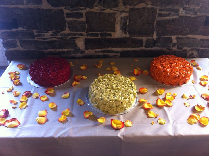 Harvest flavored wedding cakes