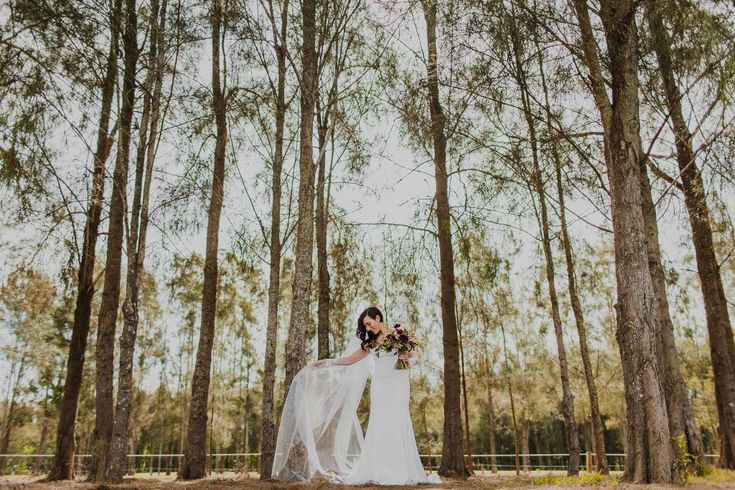 Lindemans Winery Wedding Photos - Emma+Chris - Curly Blog