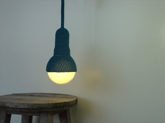 Vianne, teal crocheted ceiling pendant light and cord sur Etsy, 117,95€