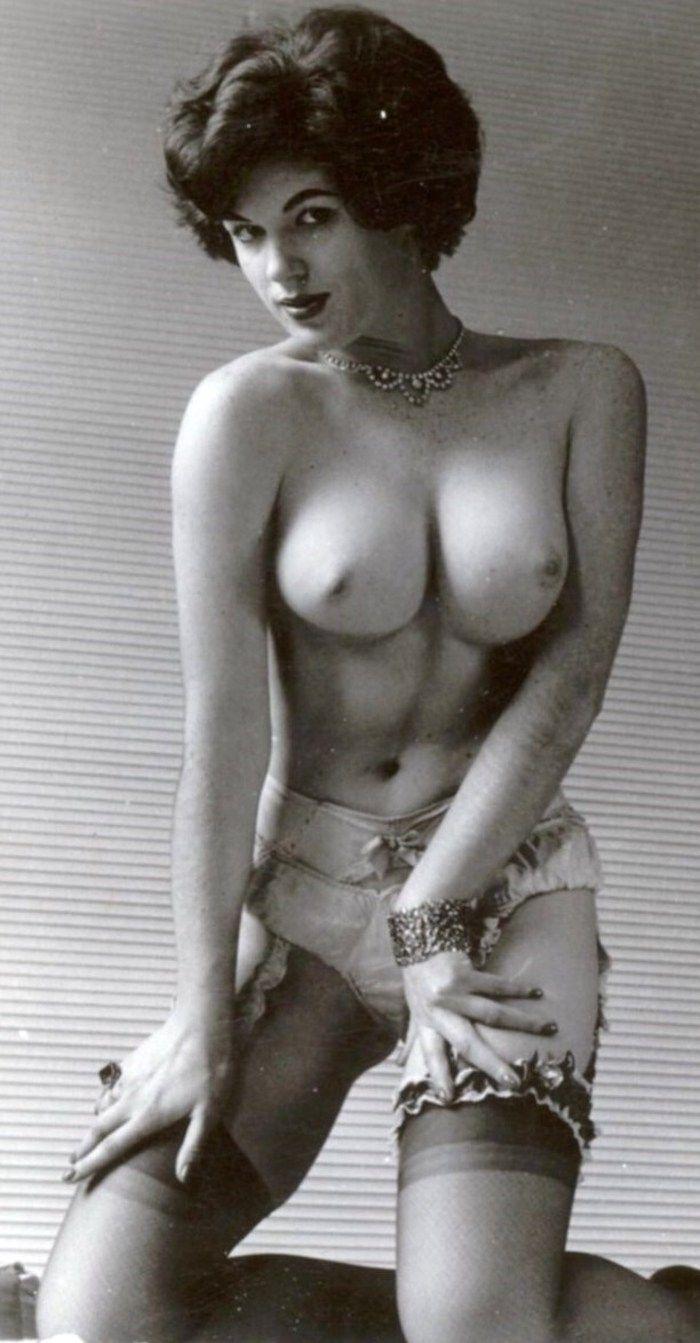 retro nude