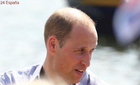 El Príncipe Guillermo y la Princesa Catalina se enfrentan en una competencia acuática en Alemania