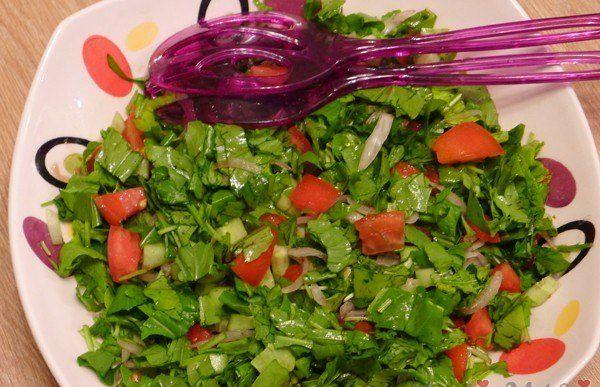 Roka Salatası Tarifi   Salata Tarifleri http://www.canimanne.com/roka-salatasi-tarifi-nefis-yemek-tarifleri.html Roka Salatası Tarifi Salata Tarifleri