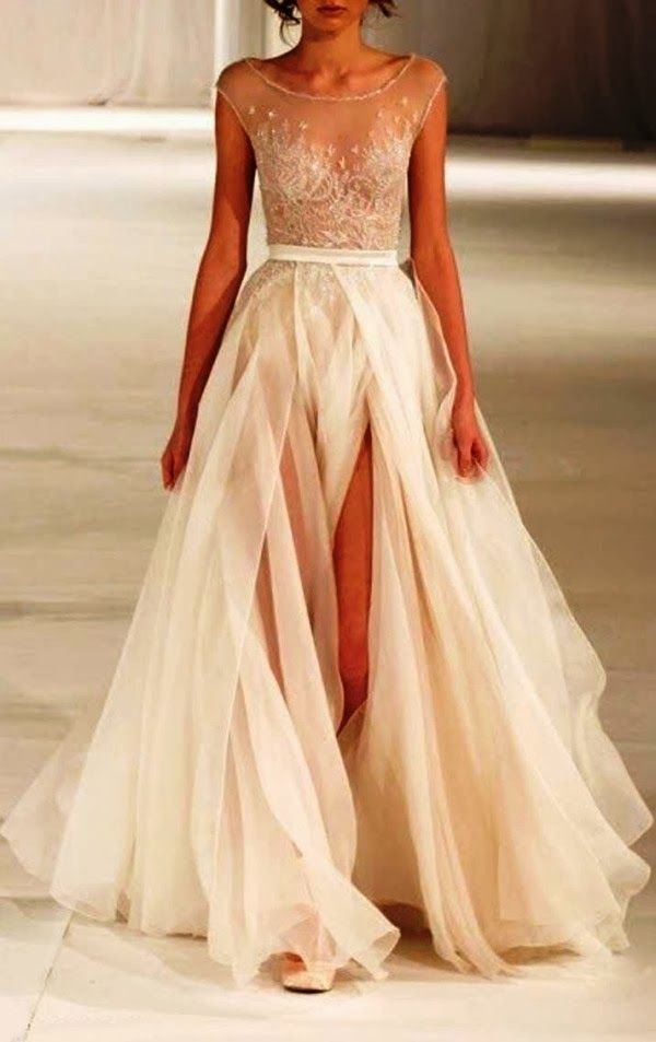 Gorgeous elegant maxi flowy dress