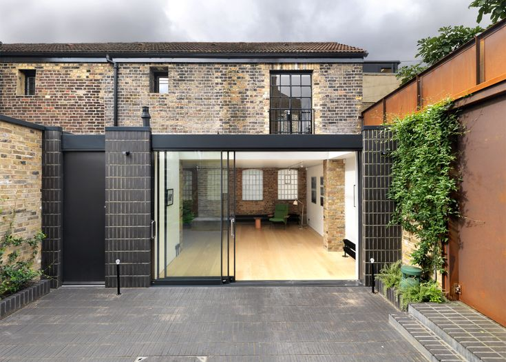 Threefold Architects transforms workshop into gallery and home