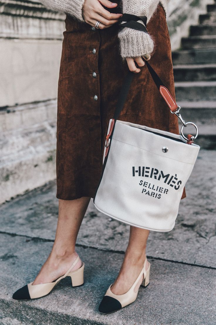 Vestiaire_Collective-Suede_Skirt-MIdi_Skirt-Hermes_Canvas_Bag-Chanel_Slingbacks-Outfit-Street_Style-35