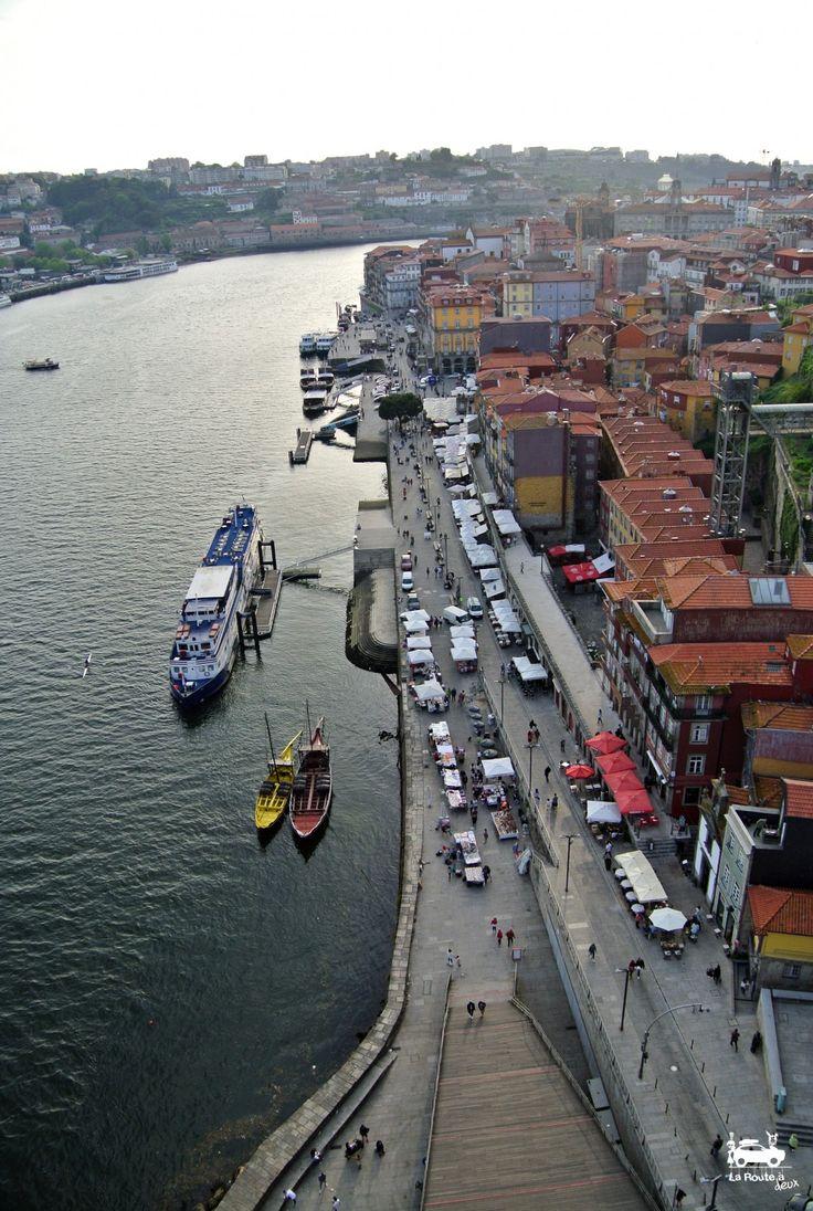 2 jours à Porto | Via La Route à Deux.fr |17/10/2017 Porto est une ville haute en couleurs et pleine de charme ! C'est la destination idéale pour un week-end de 2 ou 3 jours. La ville est facilement accessible en avion et depuis que nous l'avons découverte on ne peut s'empêcher de penser que Porto se trouve à seulement 1h30 de Nantes !! C'est une destination que l'on garde bien au chaud dans le coin de notre tête pour un long week-end car la ville nous a beaucoup plu ! #Portugal