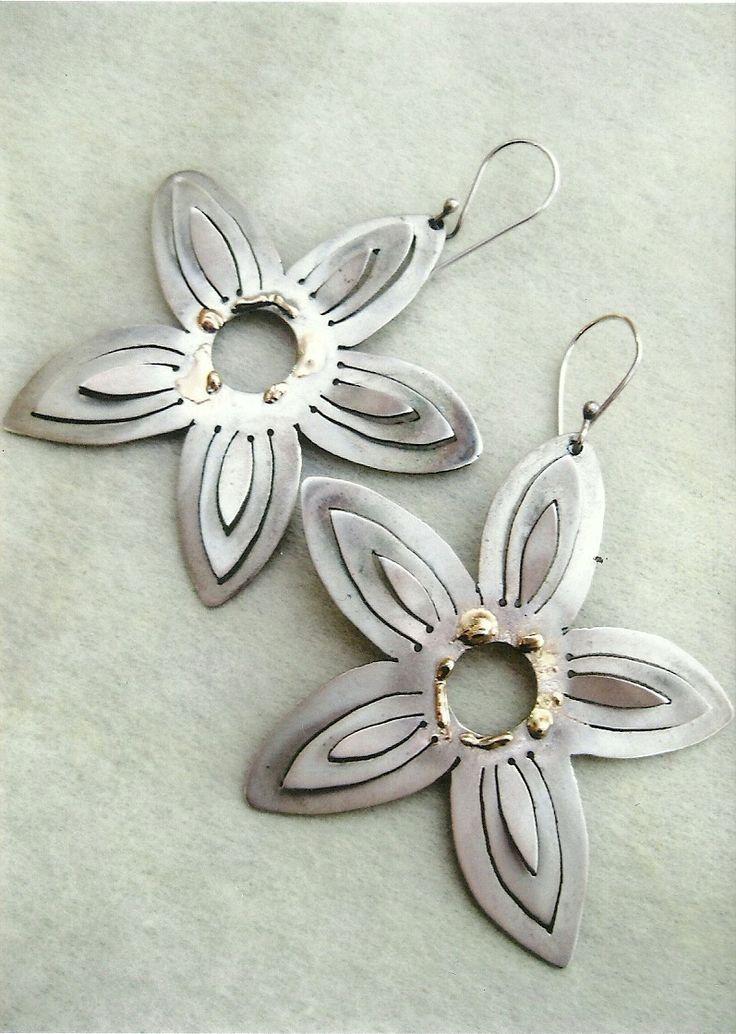 SILVER EARRINGS FLOWERS