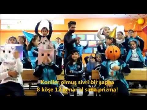 Güzel Öğretmenlerin Ellerinde Rap Yaparak Ders Öğrenen Öğrenciler :)