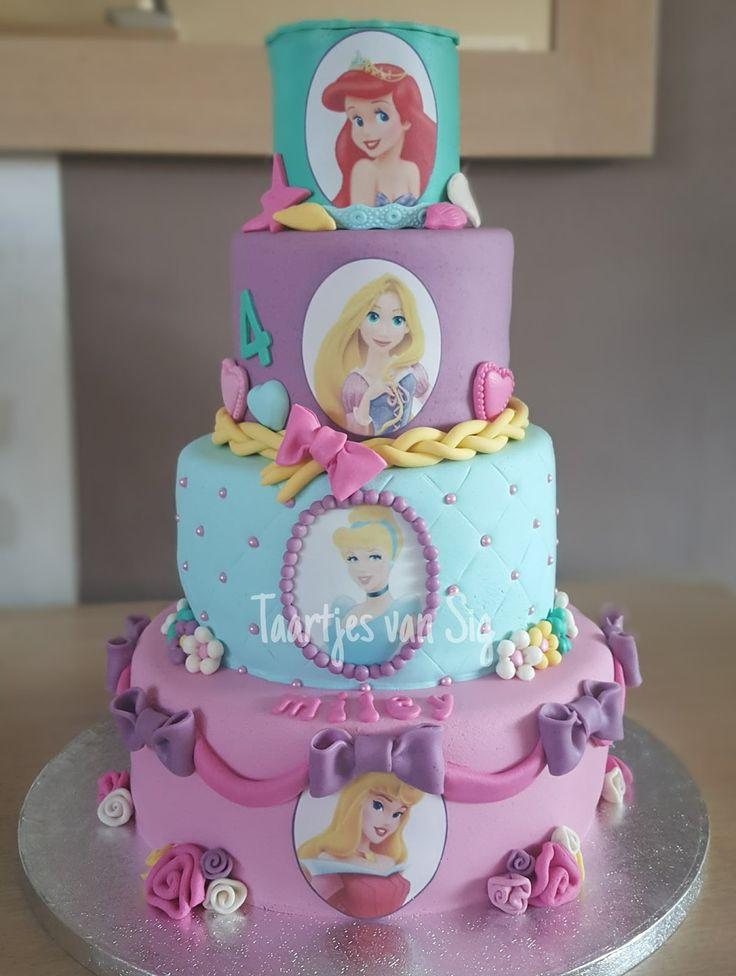 Deze prinsessentaart mocht ik voor de jarige Miley maken. Dit is alweer de vijfde taart doe ik voor haar maak (de eerste taart voor haar ...