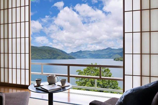 星野リゾートが展開する栃木県内の3つの温泉旅館「界 日光」、「界 鬼怒川」、「界 川治」では、2017年6月3日から9月15日までの期間、界3施設と東武日光駅や「華厳の滝」などの奥日光の観光スポットをつなぐ無料の周遊バス「日光 界めぐり号」を運行いたします。