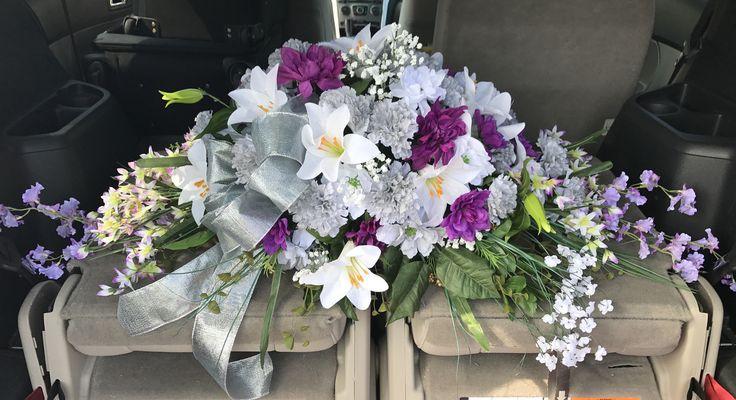 best 25 funeral sprays ideas on pinterest funeral flower arrangements funeral flowers near. Black Bedroom Furniture Sets. Home Design Ideas