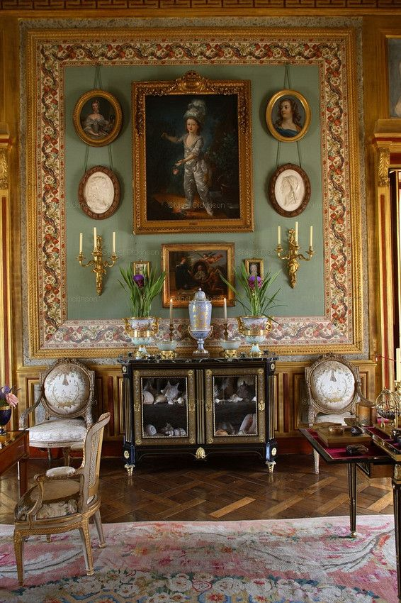 295 best images about interiors drawing room salon on for Le salon in french