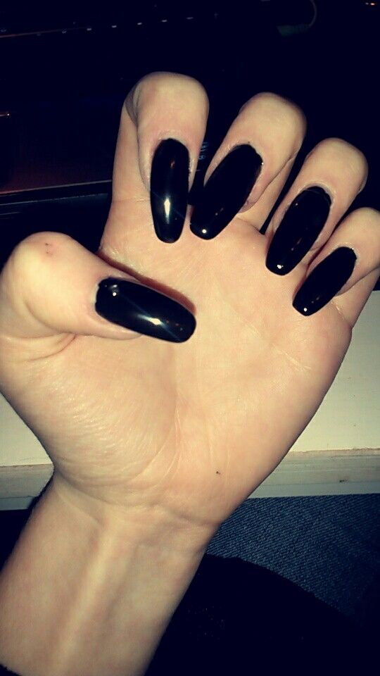 Halloween Black ♡ #wolverine_nails #gelnails #nailinspo #nails #vyletnails