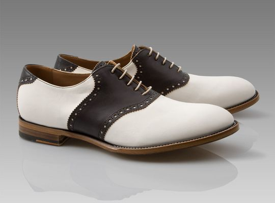 mens saddle shoe. paul smith. I LOOVE Saddle shoes. they go with denim and chinos so well