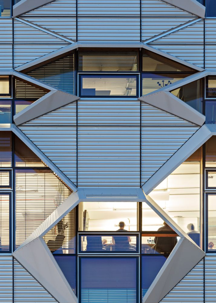 Gallery - Coventry University, Faculty of Engineering and Computing / Arup Associates - 8