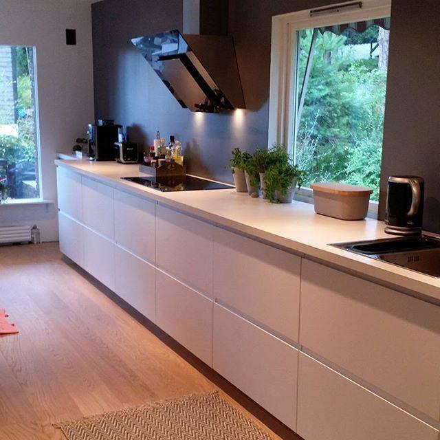 formidable cuisine blanche et bois clair cuisine pinterest cuisine blanche bois et cuisines. Black Bedroom Furniture Sets. Home Design Ideas