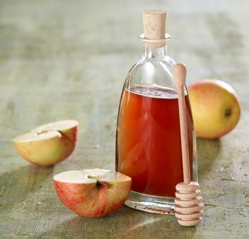 En lækker æblesirup, der kan bruges til kager og desserter