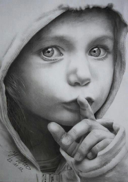 Jungsgesicht mit Bleistift                                                                                                                                                                                 Mehr