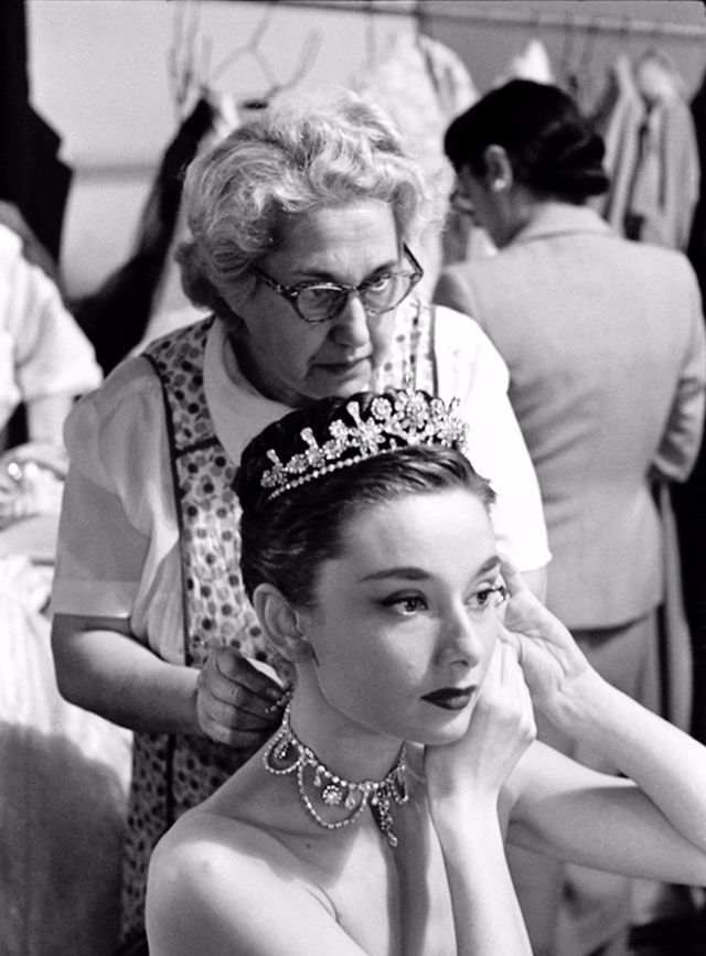 52 Behind-the-Scenes Photos of Audrey Hepburn in 'Roman Holiday' in 1953