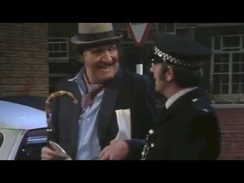 Cooper (1976) | Policeman Sketch - Tommy Cooper Ian Hendry - YouTube