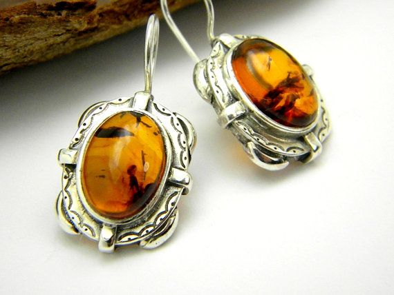 Hey, I found this really awesome Etsy listing at https://www.etsy.com/listing/222096441/sterling-silver-amber-earrings-retro