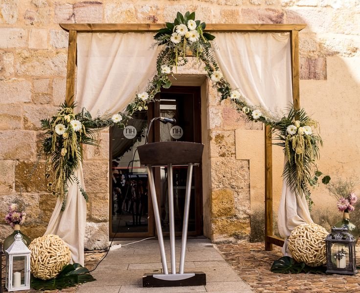 rosas blancas decoracion bodas faroles ramas madera disney sueo soar boda ideas de la boda arpillera