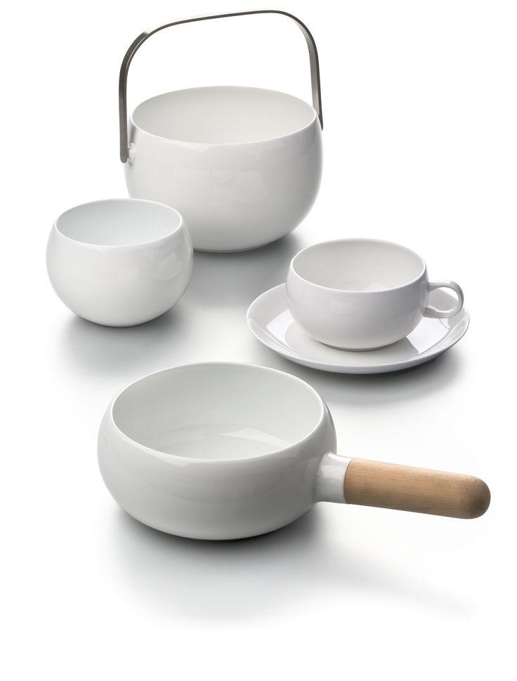 Scandinavian ceramic design by Kaj Franck - handled pot