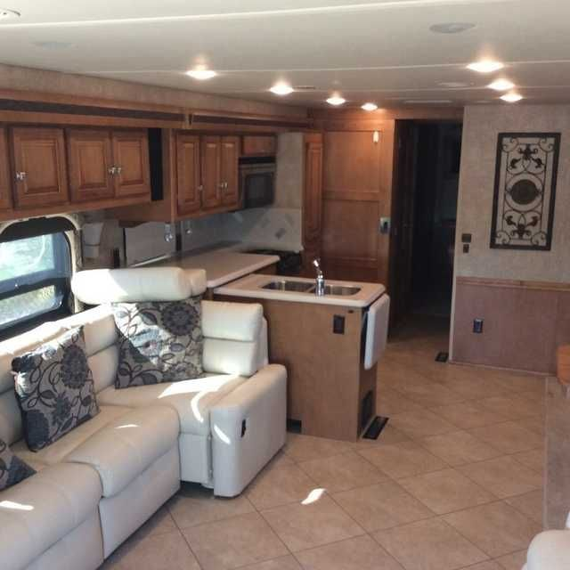 2014 Used Itasca Suncruiser 38Q Class A in Arizona AZ.Recreational Vehicle, rv, Beautiful (Like-New) 39 foot 2014 Itasca Winnebago Sun Cruiser looking for a good home. This spacious beauty is powered by a V10 Trident Ford (GAS) . It has 1 living room, 1 bedroom. Perfect bathroom for a couple or family, the shower room is separate and has it's own sink, while the toilet is separate with another sink, all behind two separate doors. 10 power outlets are located throughout so that you may keep…