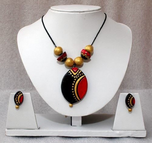 Oval pendant terracotta necklace set with 36% discount at #craftshopsindia