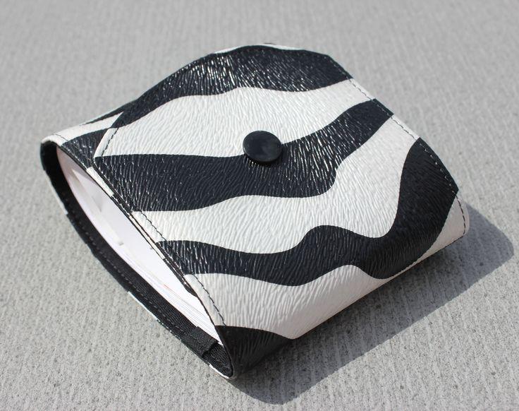 Porte ch quier long original en simili cuir zebre mixte - Porte chequier long ...