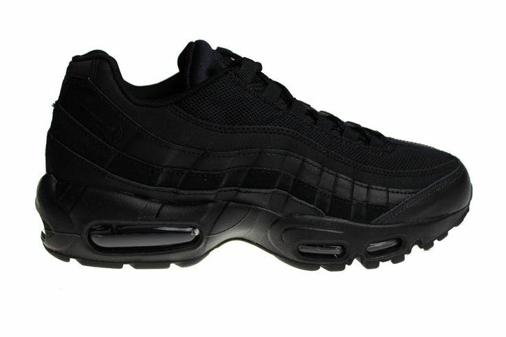 """We zijn begonnen met het verkoop van Nike Air Max 95 schoenen. Hierbij de meest populaire Nike Air Max 95: de Nike Air Max 95 Essential """"All Back""""."""