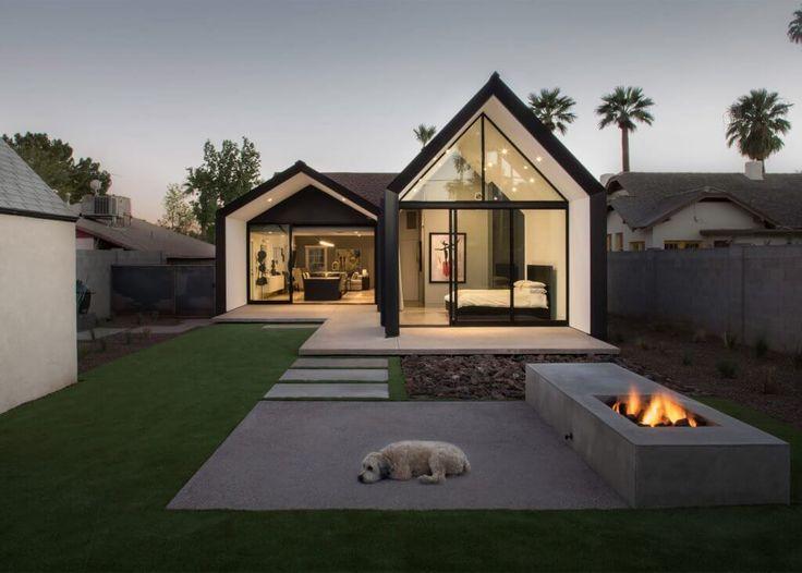 Modern Home Addition erstreckt sich in zwei offenen Räumen