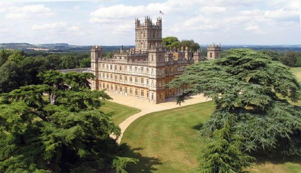 Highclere Castle, England: Highcler Castles, Abbey Addiction, Favorite Places, Downtonabbey, Abbey Highcler, Downtown Abbey, Downton Abby, Aka Downton, Downton Abbey