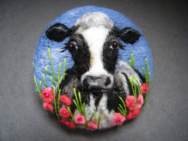 Handmade needle felted brooch/Gift 'Daisy in the Poppies' by Tracey Dunn