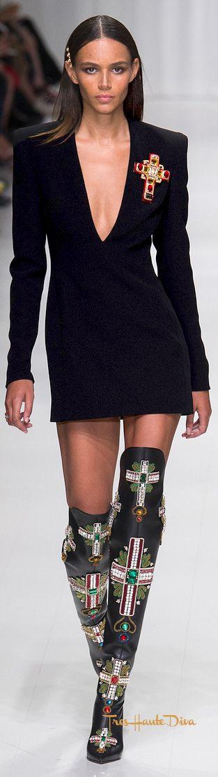 Versace Spring 2018 RTW #MFW #ss18 #lbd little black dress