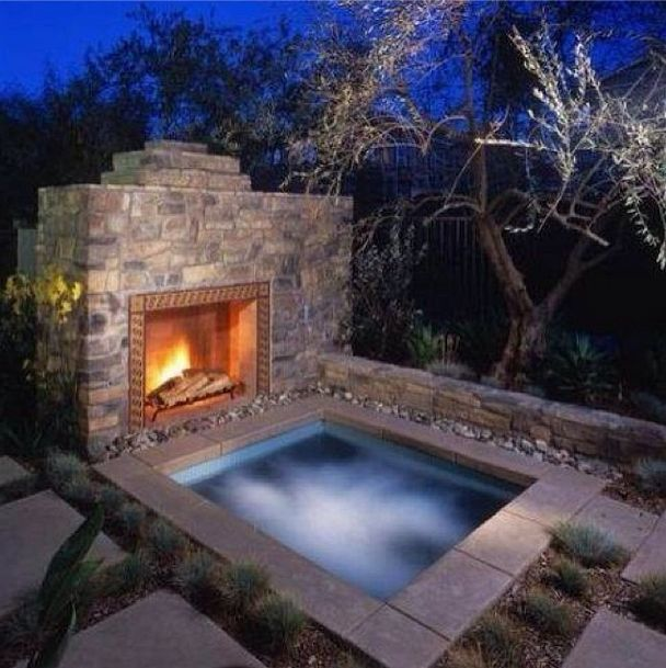 Outdoor Jacuzzi With Fireplace
