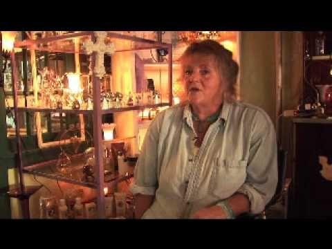 Huntingdon Town Trek Stop 2: Vintage Art Glass