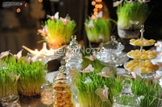 Il tavolo dei confetti e caramelle al matrimonio