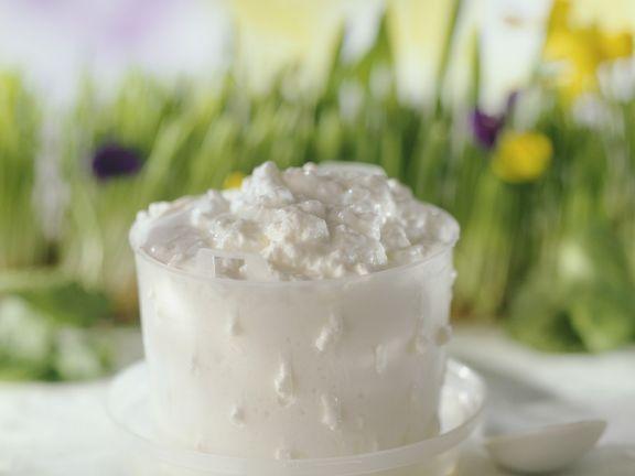 Frischkäse selber machen ist ein Rezept mit frischen Zutaten aus der Kategorie Käse. Probieren Sie dieses und weitere Rezepte von EAT SMARTER!