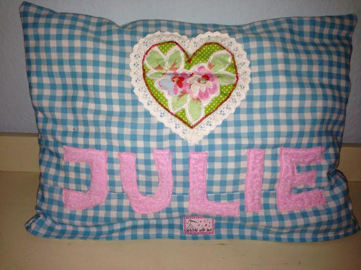 #cushion with #applique #kissenhülle #namenskissen #kissen #mädchen #girl #kid #gift #geschenk #applikation