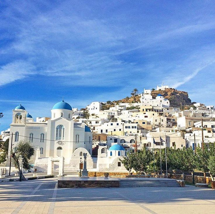 The beautiful town of Ios! Make sure to check out @pathos_sunset_bar when you're there! Photo via @lucydodsworth #thegreeceguide  #visitgreece