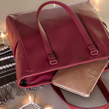 Thirty-One Gifts Holiday!  Presents!  Bags!  Totes!  Oh my!!!